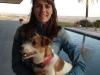 Fátima López con uno de sus perros en la bodega - Bodegas Luis Pérez, Jerez /Foto: Perricatessen