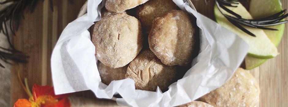 Receta: Galletas de manzana y crema de cacahuete con avena por Perricatessen
