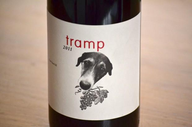 perricatessen_etiqueta_vino_perro_tramp-jpg